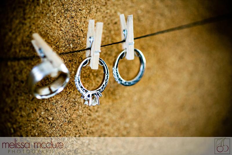 Pegged wedding ring