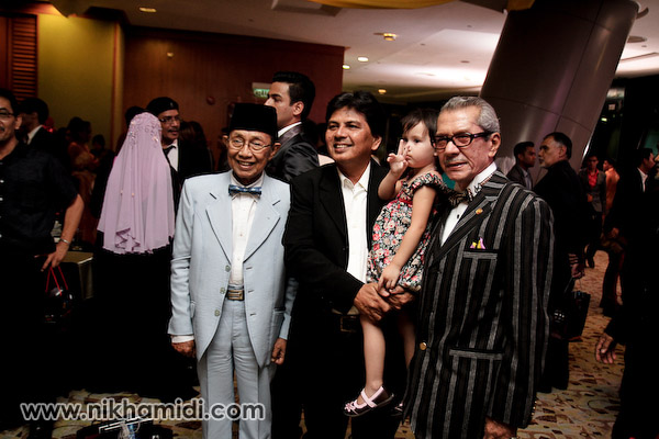 Orang lama - Aziz Satar dan Dato' Mustafa Maarof