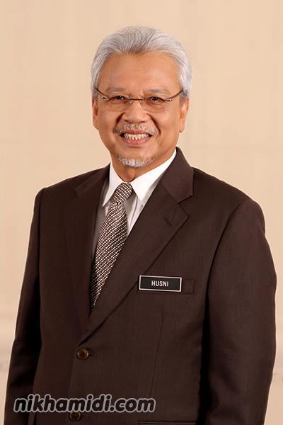YB Dato' Seri Haji Ahmad Husni bin Mohamad Hanadzlah (Menteri Kewangan II merangkap Pengerusi Bersama Lembaga Pembangunan Langkawi)