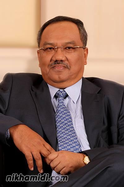 YBhg. Dato' Dr. Mohmad Isa Bin Hussain (Timbalan Setiausaha Bahagian Pelaburan Kementerian Kewangan)