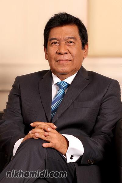 YBhg. Tan Sri Khalid bin Ramli (Ketua Pegawai Eksekutif Lembaga Pembangunan Langkawi)