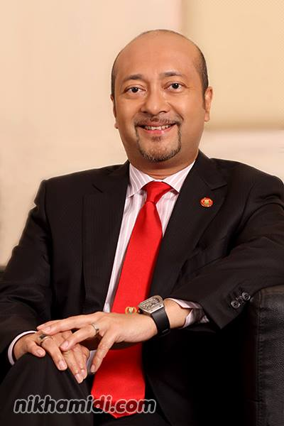 YAB Dato' Paduka Hj. Mukhriz bin Tun Dr. Mahathir (Menteri Besar Kedah Darul Aman merangkap Pengerusi Bersama Lembaga Pembangunan Langkawi)