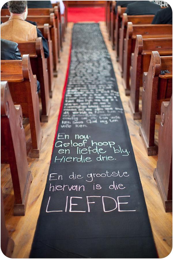 chalkboard-wedding-aisle